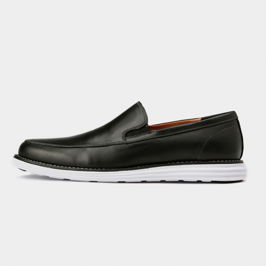 ab39678c24c ... Herilios Minimalistic Leather Slip On Black Loafers With White Soles  (H5305D47) ...