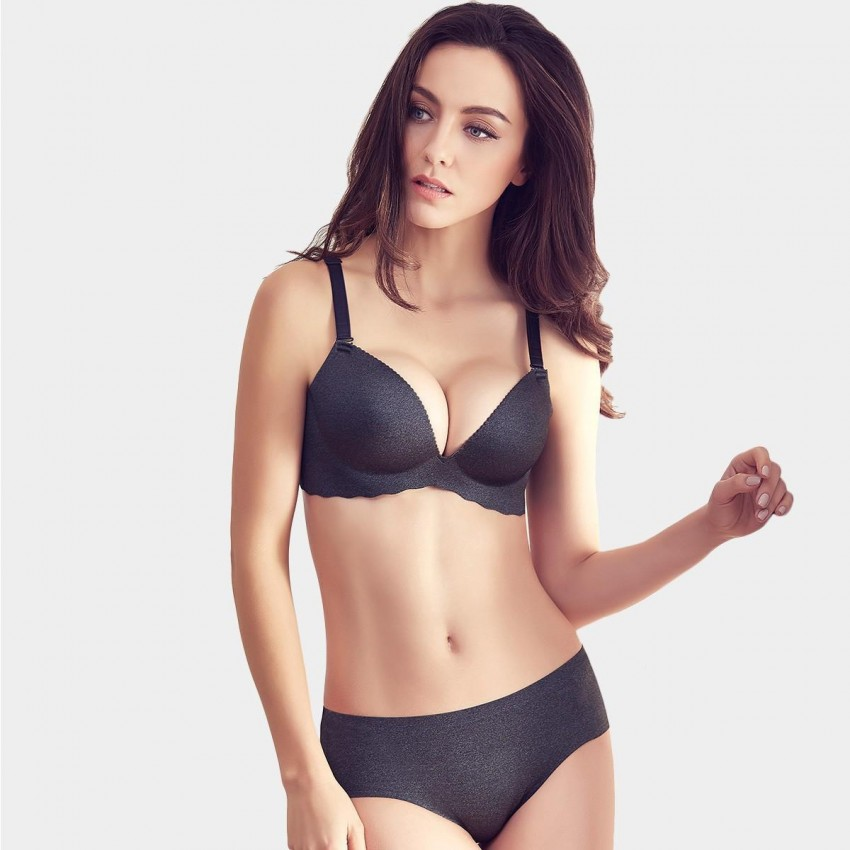 2674243d46 Olanfen Minimalist Extra Soft Feeling Invisible Detachable Straps Bra    Underwear Black Set (T6027)