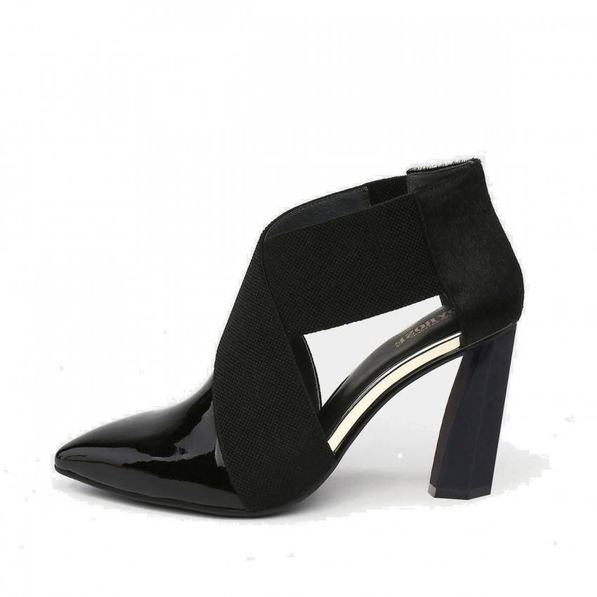 Jady Rose Hollow Out Black Pumps (18DR10554)