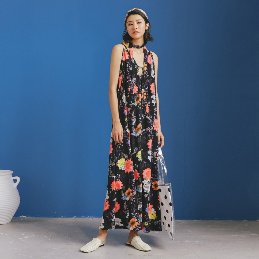 Buy Isislove Floral Black Dress online, shop Isislove with free shipping