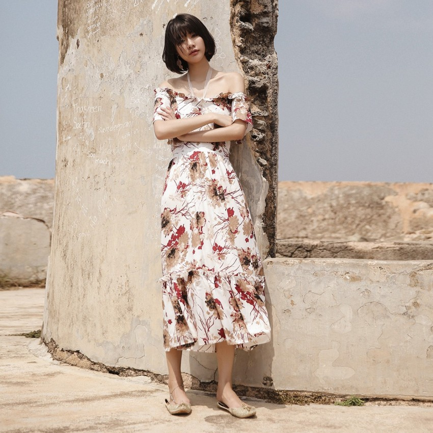 Buy Isislove Lace-Neck Floral White Dress online, shop Isislove with free shipping