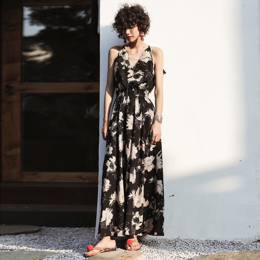 Buy Isislove Crop Back Floral Black Dress online, shop Isislove with free shipping