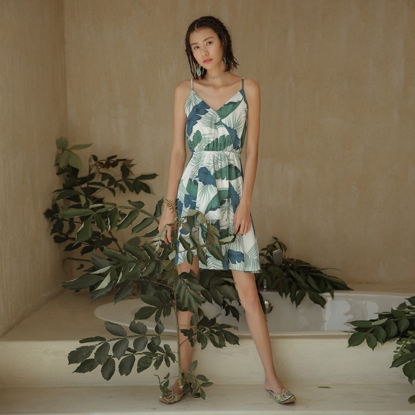 Buy Isislove Well-Fitted Green Dress online, shop Isislove with free shipping