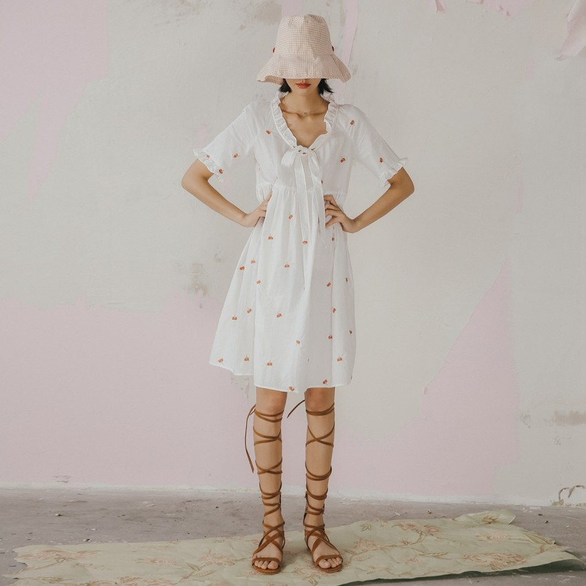 Buy Isislove Ribbon-Front Petal White Dress online, shop Isislove with free shipping