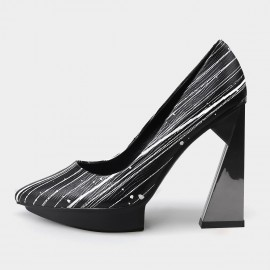 Pointed-Toe Faux Leather High-Polished High Heel Strip Pattern Pumps (19DR10617)