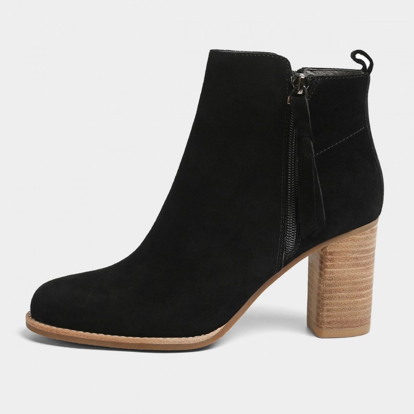 Buy Masoomake Asymmetrical Suede Black Boots online, shop Masoomake with free shipping
