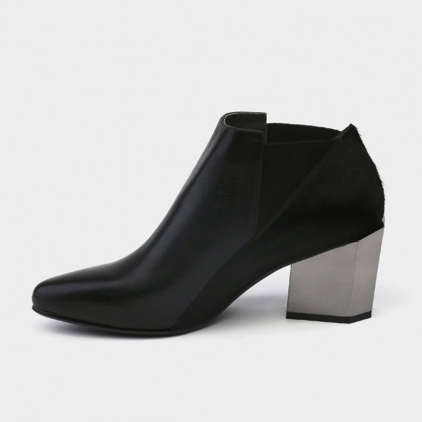 Buy Jady Rose Ankle High Medium Geometrical Chunky Heel Faux Leather Black Boots online, shop Jady Rose with free shipping