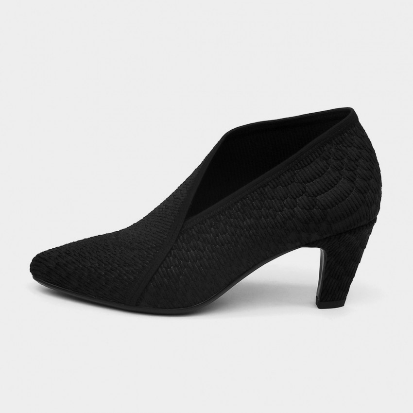 Buy Jady Rose Medium Heel V-Ankle Line Oxford Black Pumps online, shop Jady Rose with free shipping