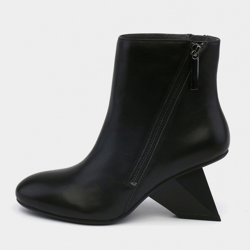 Buy Jady Rose Ankle High Medium Indented Heel Black Boots online, shop Jady Rose with free shipping