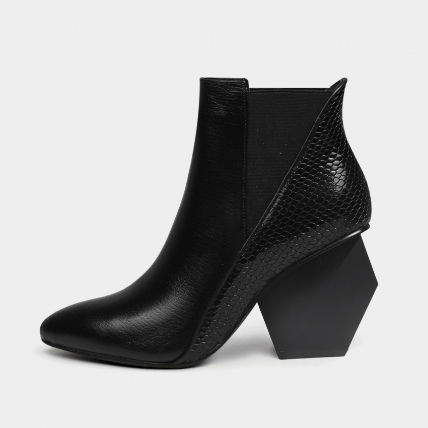Jady Rose Irregular Heel Ankle Black Boots (18DR10570)