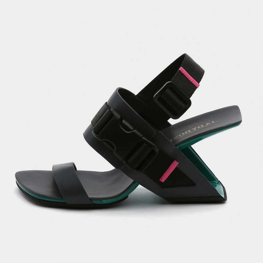 Jady Rose Open Toe Strip Accent Black Sandals (19DR10619)