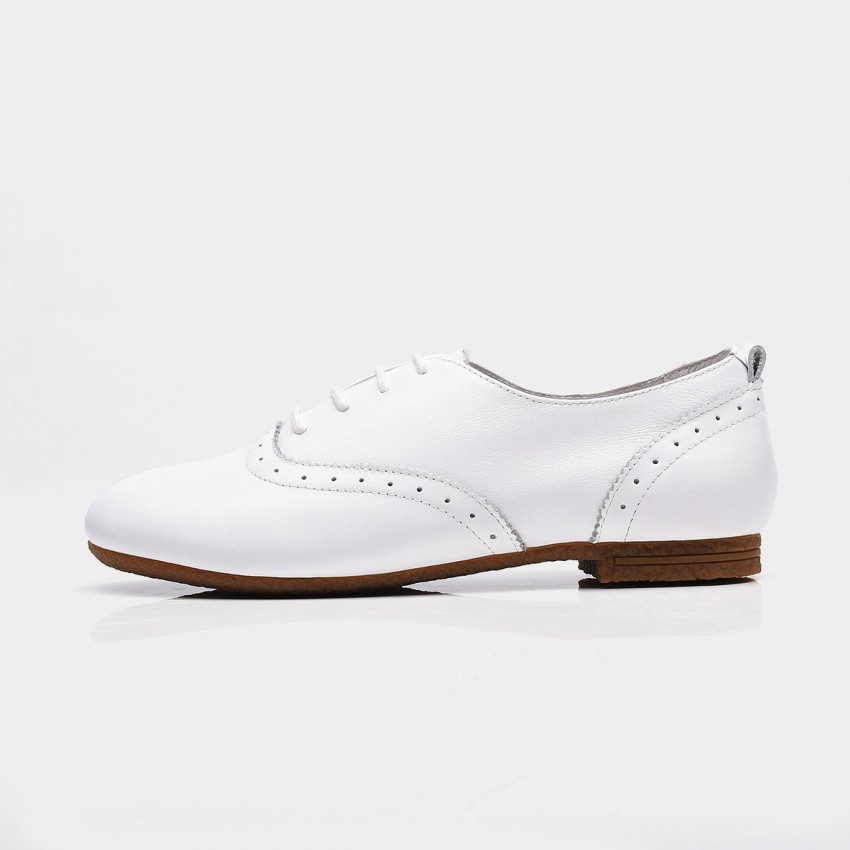 Buy Beau Vintage Round Toe Oxford White Lace Ups online, shop Beau with free shipping