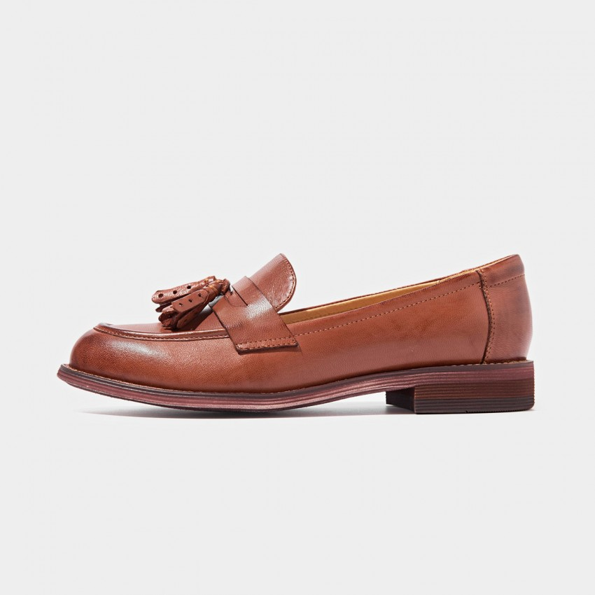 Buy Beau Matte Leather Tassel Gradient Sole Red Loafers online, shop Beau with free shipping