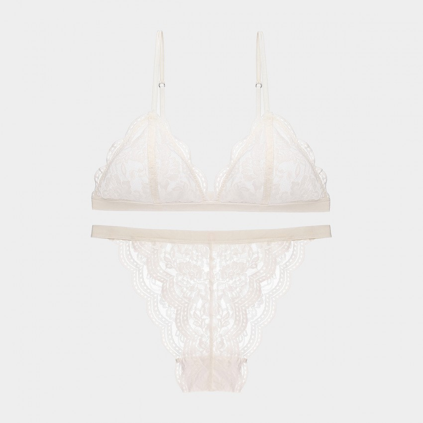 Lovevirl Wireless Scallop Floral Lace White Lingerie Set (9207)