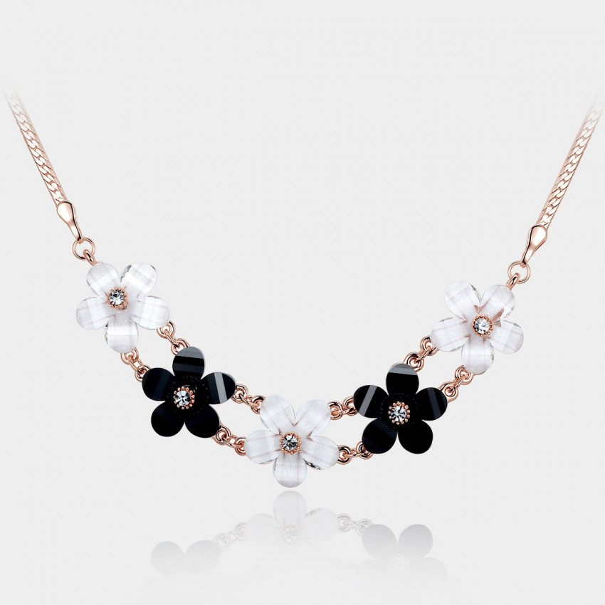 Caromay Noble Flowers Black White Necklace (X0141)
